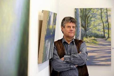 Der Moerser Künstler Hans Werner Thurmann hat ein Heimspiel im Peschkenhaus. Foto: RP